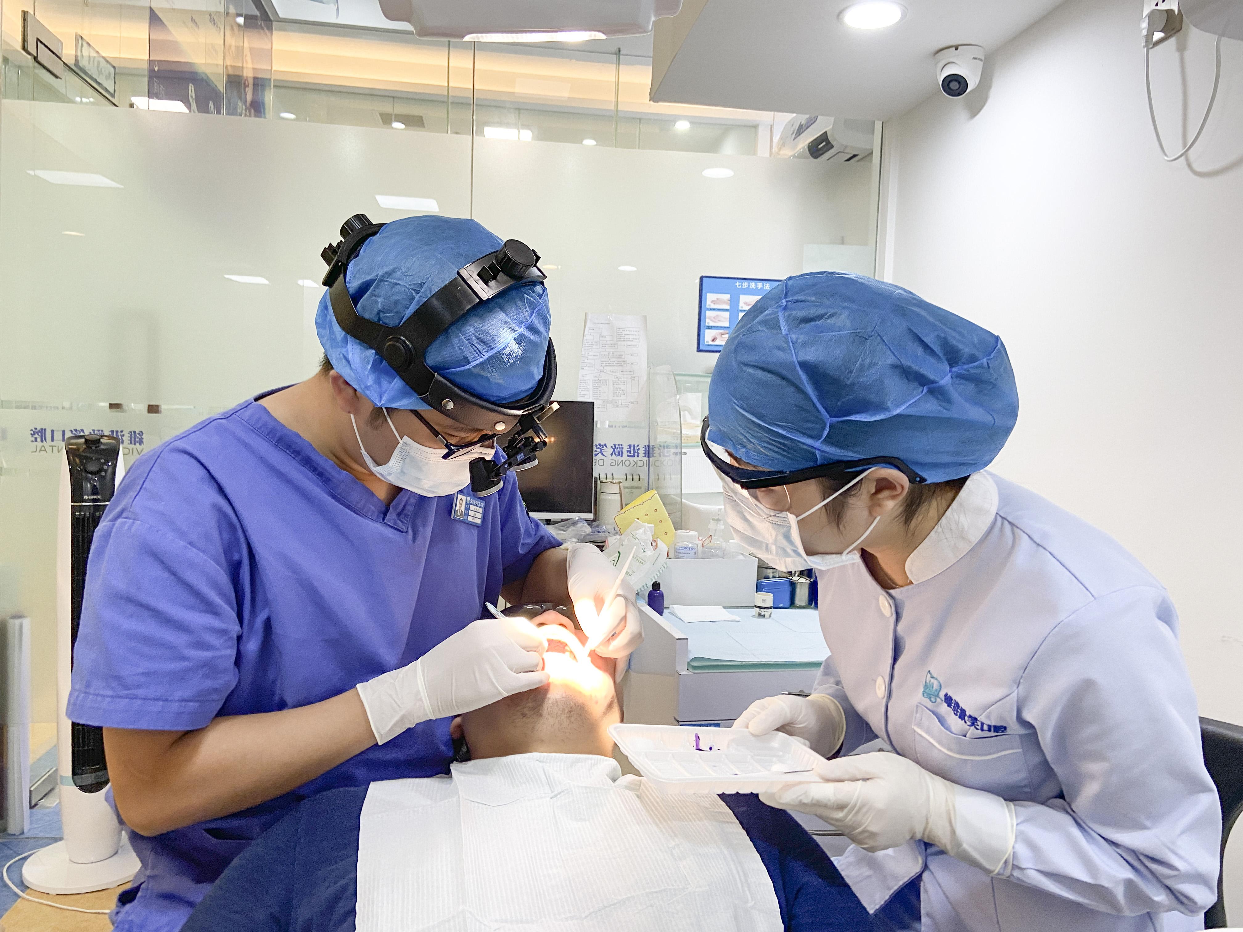 """遇見理想中的好牙醫——維港口腔連鎖品牌機構的""""好牙醫""""理念和"""