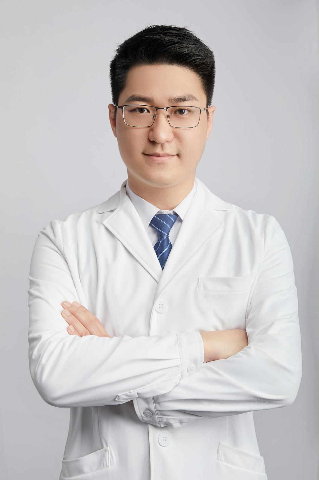矯正名醫陳何熙主任:追求醫療本質,做暖心的牙醫